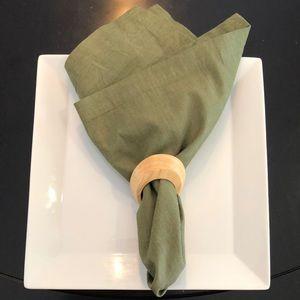 Crate and Barrel Cloth green napkins set of 4